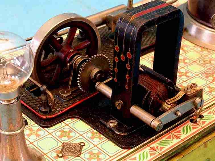 Bing stehende Dampfmaschine mit Fliesenboden