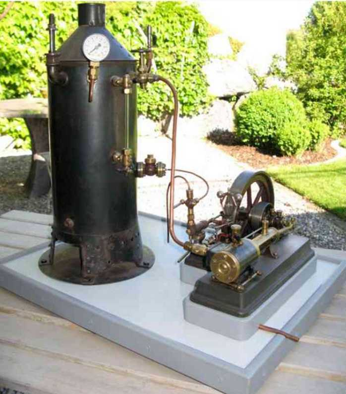 bischoff wilhelm 253MA dampfspielzeug stehende dampfmaschine dampfanlage. der kessel ist gem. beschreibung in einem alten