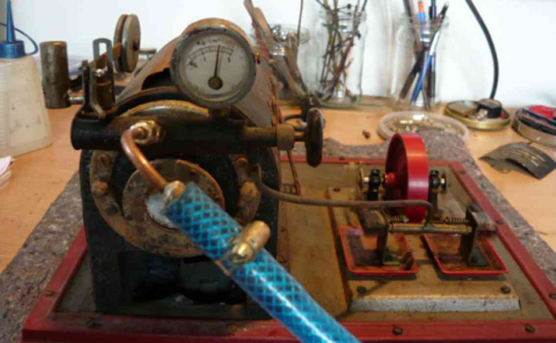 groning heinrich horizontal steam toy lying steam engine with 2 oscillating cylinders, of heinrich