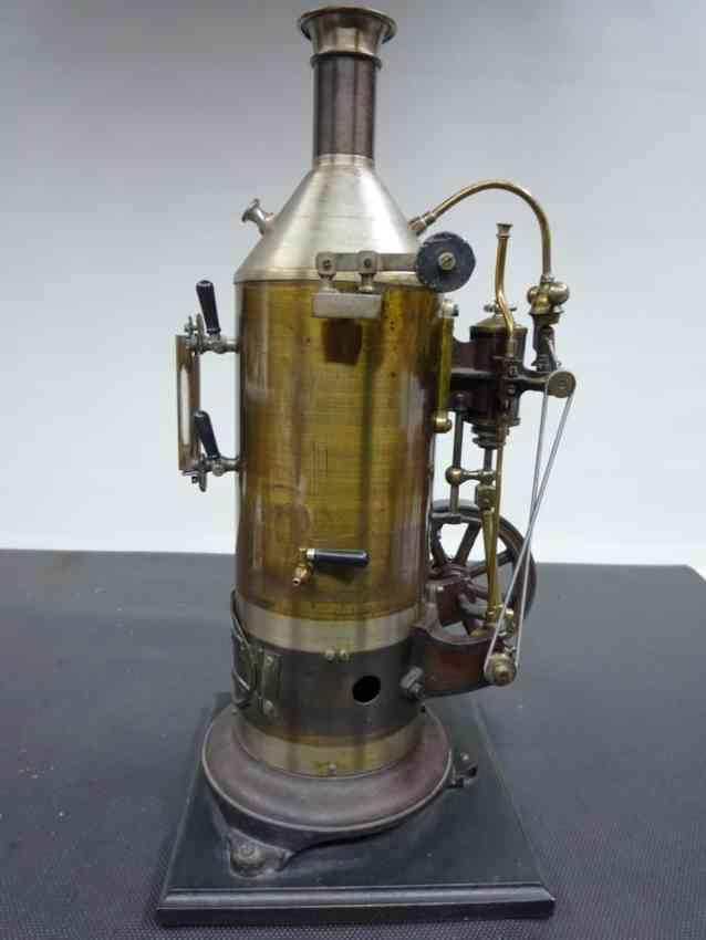 Schoenner 160/4 Stehende Dampfmaschine