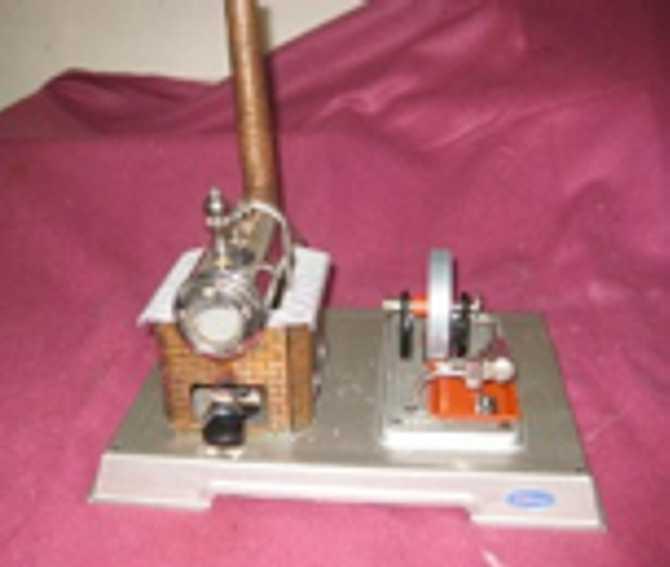 Wilesco D8 Liegende Dampfmaschine