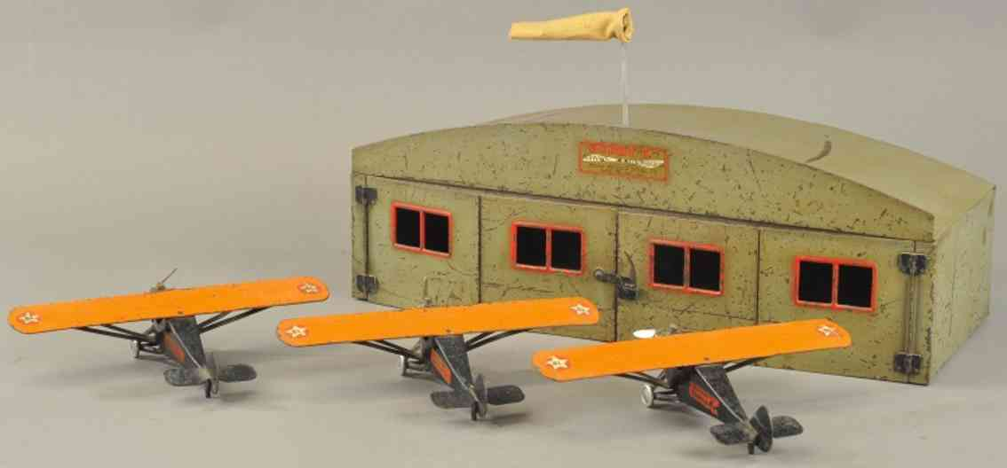 buddy l stahlblech spielzeug hangar mit drei flugzeugen
