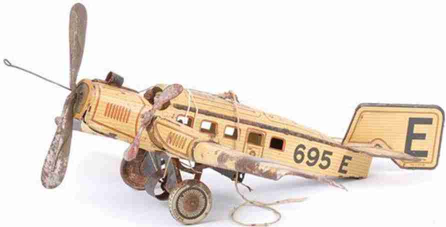 guenthermann 695 tin toy airplane monoplane with clockwork