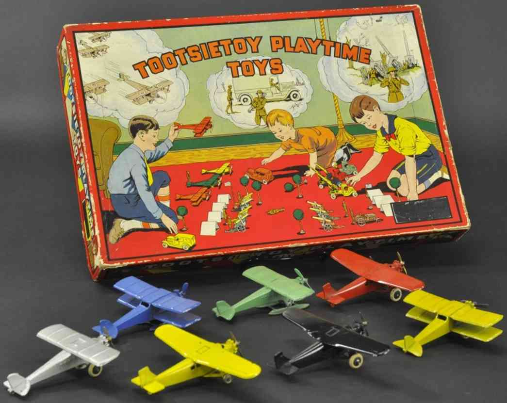 tootsietoy cast iron toy seven airplanes boxed set