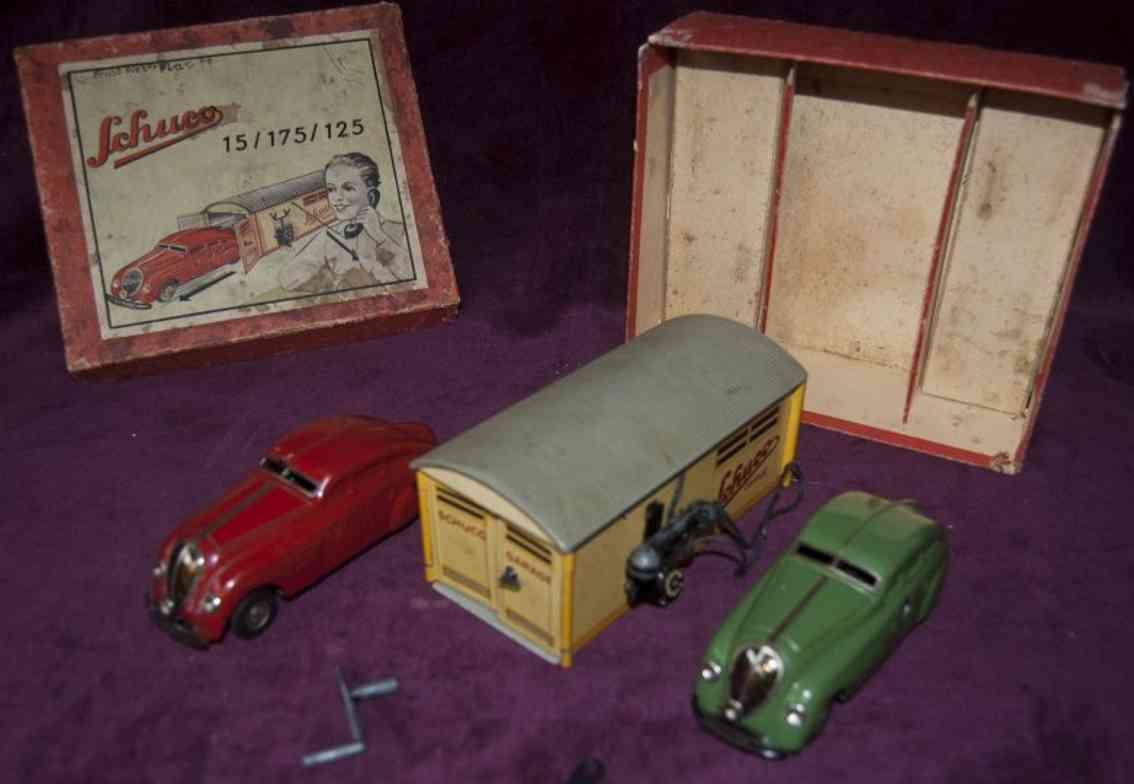 Schuco 15/175/125 Garage mit zwei Autos