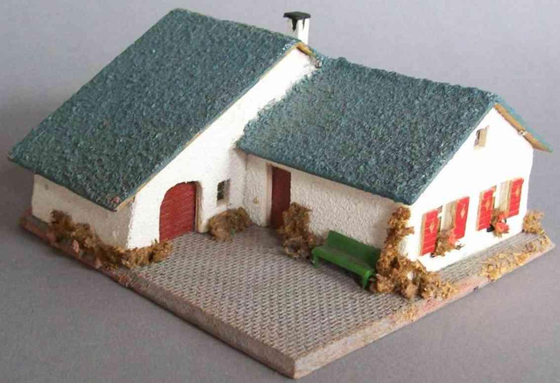 Faller 280 Landhaus mit Garage aus Holz