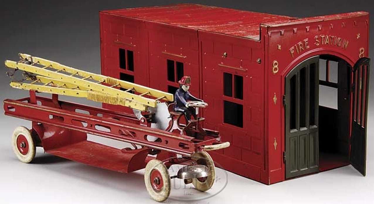 kingsbury toys 8 stahlblech feuerwehrhaus leiterwagen uhrwerk