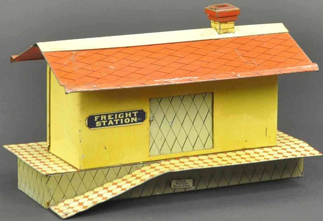 ives 115 1906 spielzeug eisenbahn gueterschuppen gelb rot