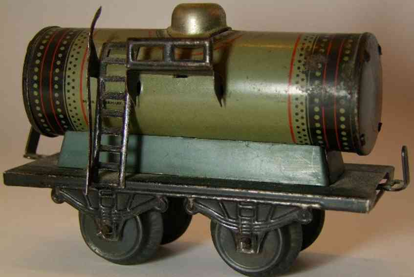 bub 737/0 railway toy tank car in a gray gauge 0