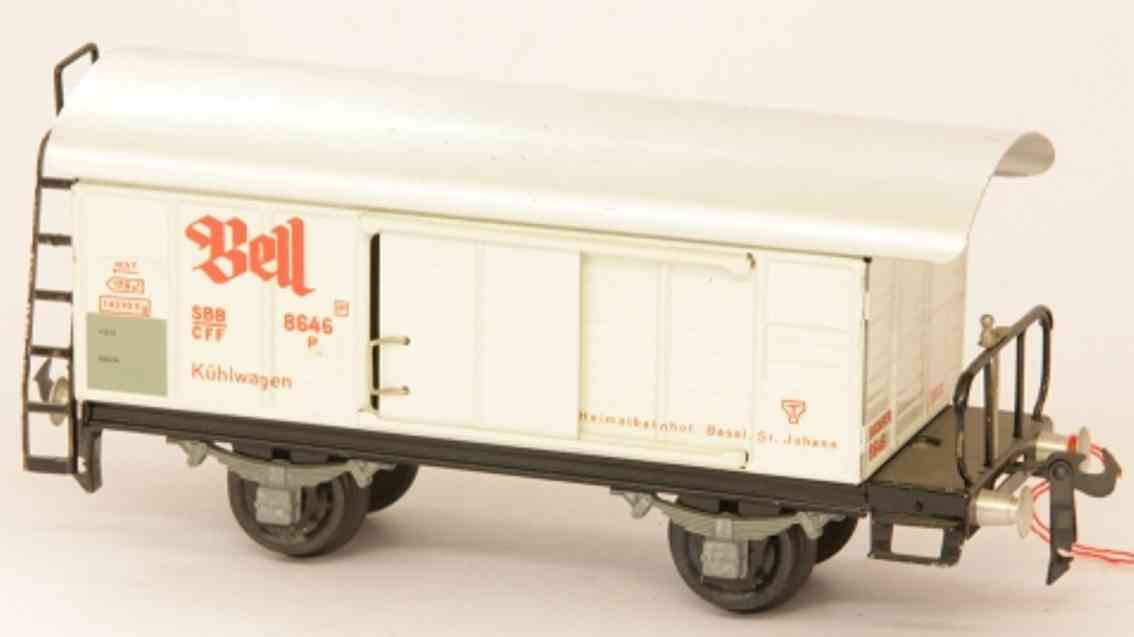 buco bucherer 8646 (1952) railway toy refrigerator car; 2-axis; screwed with stage, in white, alum