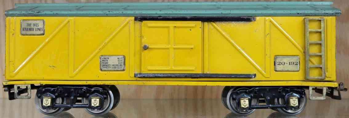 ives 20-192 spielzeug eisenbahn gedeckter gueterwagen gelb gruen standard gauge