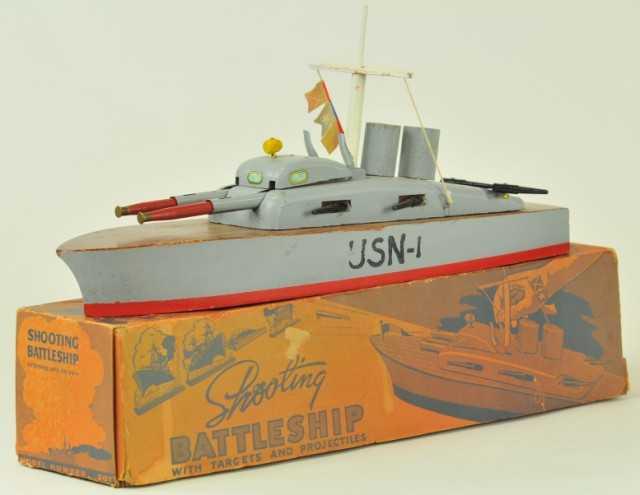 Keystone Schießendes Kriegsschiff aus Holz