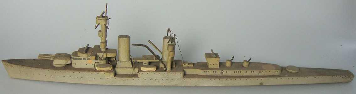 koester 17 holz spielzeug schiff kriegsmarine, kreuzer königsberg, zwei geschütztürme fehlen