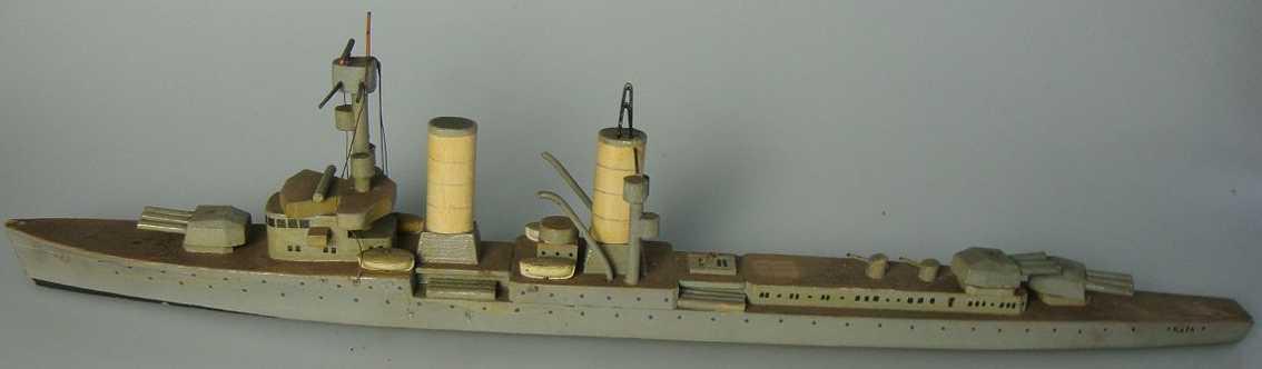 koester 17 Köln holz spielzeug schiff kriegsmarine, kreuzer köln, ein aufbau fehlt