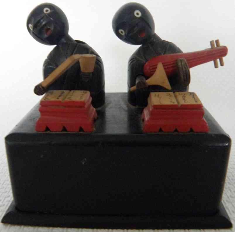 kobe toy spielzeug zwei figuren am schreibtisch aus holz
