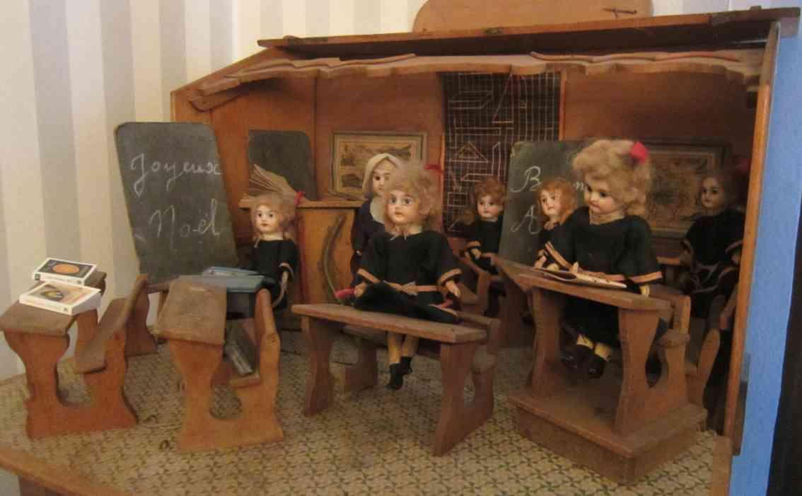 unknown holz spielzeug klassenzimmer aus holz mit kindern