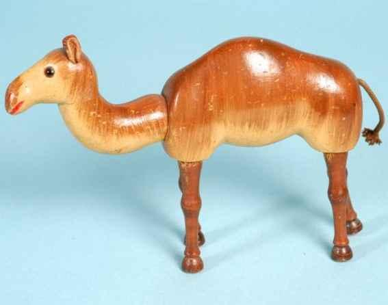 schoenhut Camel 9 wooden camel wooden jointed body glass eyes