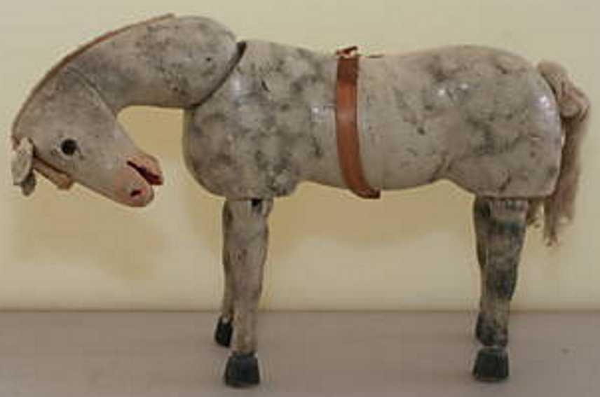 Schoenhut Pferd