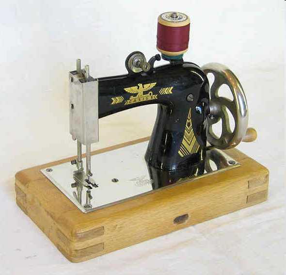 casige 1050 kindernaehmaschine eine der vielen varianten der baureihe 1050, ca 1260 gr. sch