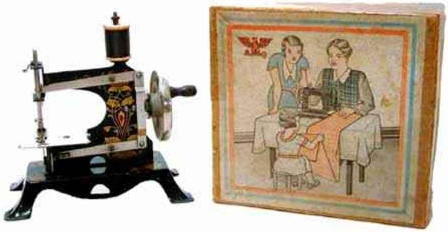 casige 12/neu kindernaehmaschine nähmaschine, eine nr. 5 auf sockel der nr. 16