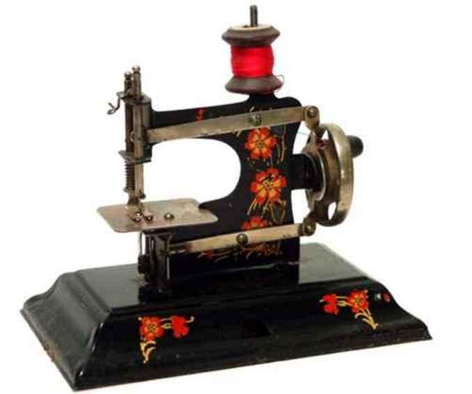 casige 121 kindernaehmaschine nähmaschine, eine nr. 0 auf geschlossenem blechsockel