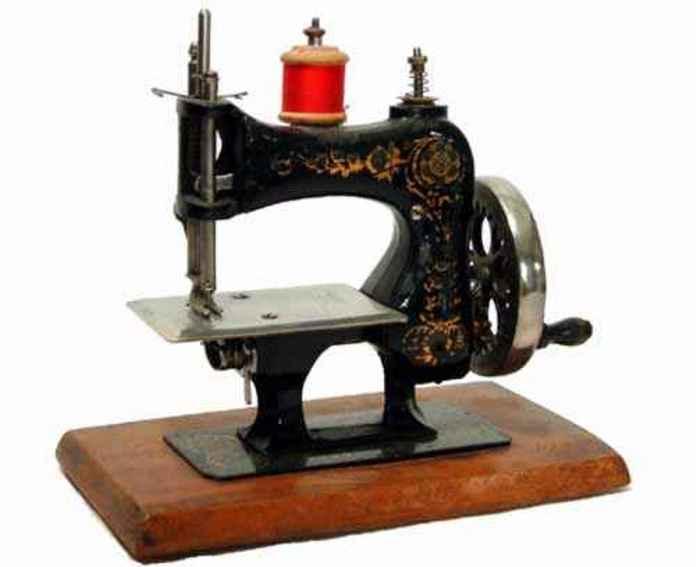 Casige 9 Stitching machine