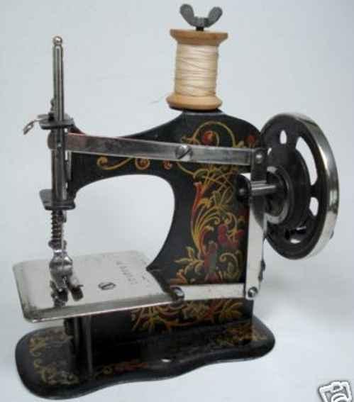 mueller fw 1 kindernaehmaschine kindernähmaschine aus eisenblech mit handrad, gewicht 370 g
