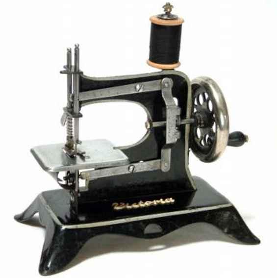 Plank Ernst 7 sewing machine Victoria