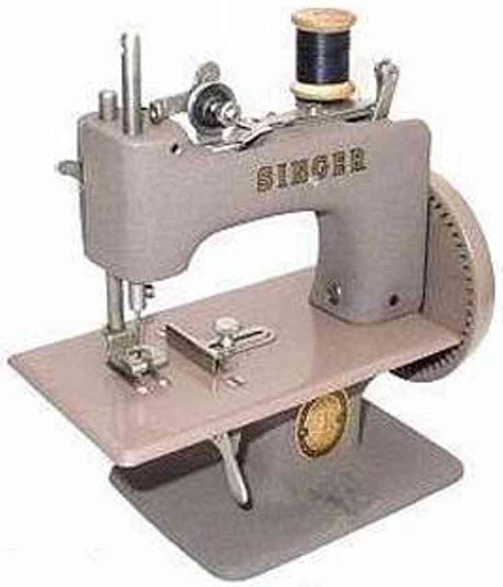 singer 20 10 toy sewing machine toy sewing machine dark beige