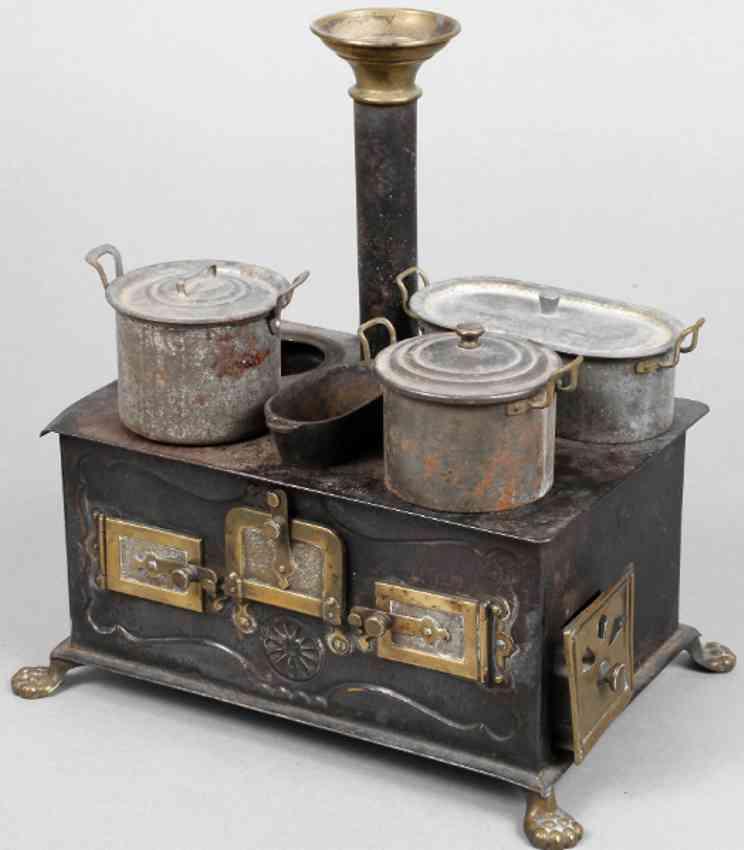 bing 7/326/5 tin toy kitchen dolls stove brass tinplate baking sheet three pots roasting pan cast