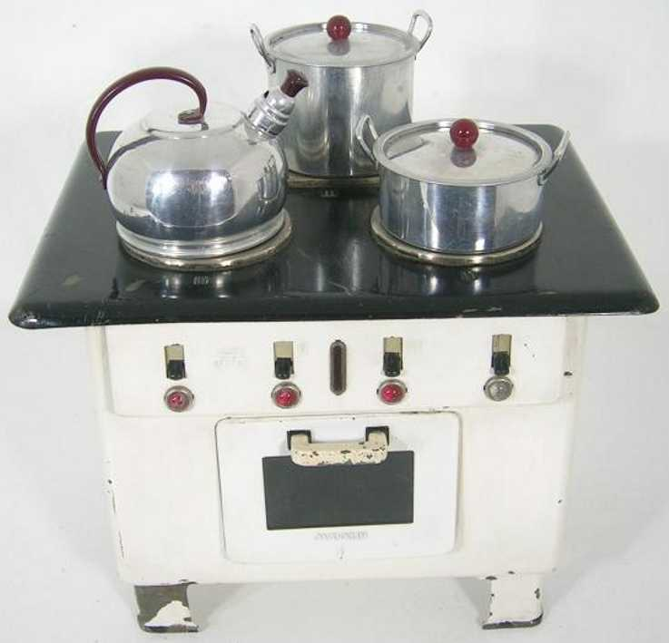 Maerklin 9629/3 Electrical child cooker with 220 V