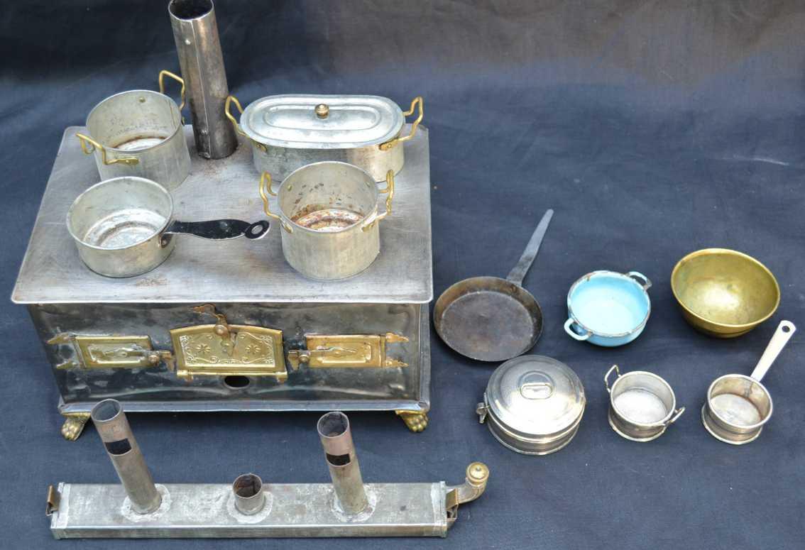Märklin Ofen mit Töpfen und Pfannen