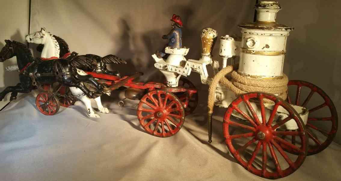 dent hardware co spielzeug gusseisen feuerwehrkutsche wasserkessel drei pferde