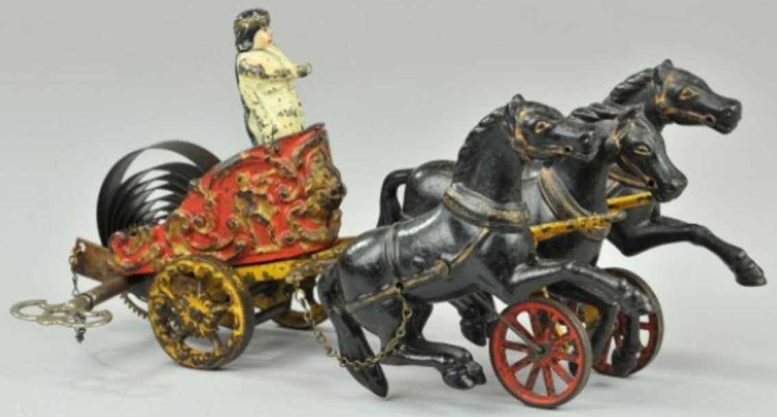 hubley spielzeug gusseisen roemischer streitwagen figur uhrwerk  drei pferde