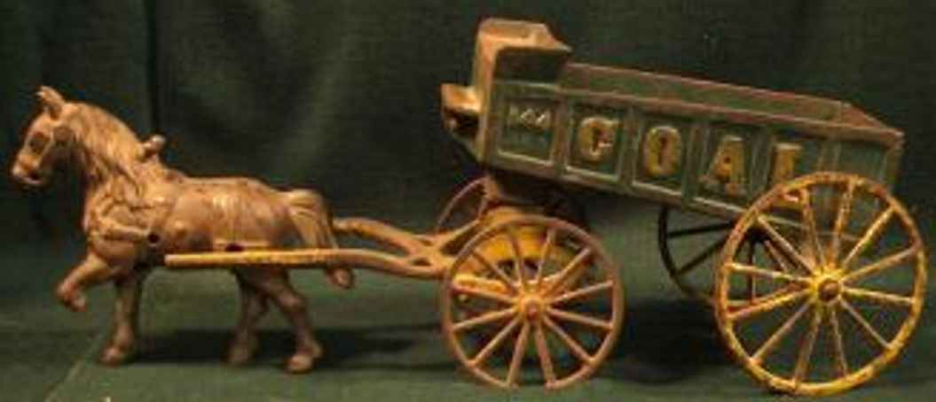 Kenton Hardware 144 Kohlenkutsche mit einem Pferd