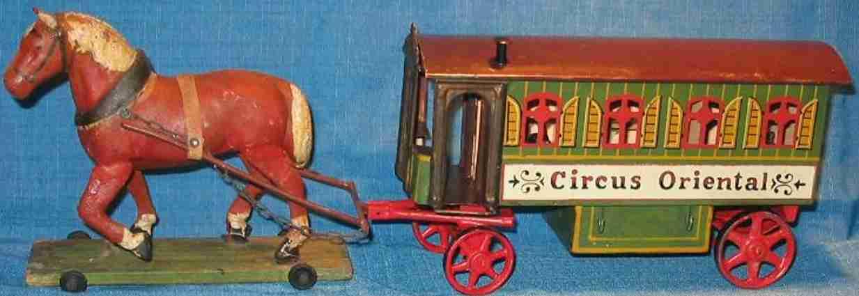 Zirkuswagen mit Zugpferd aus Pappmache