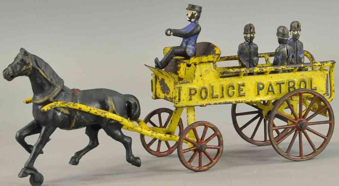 wilkins spielzeug gusseisen polizeiwagen ein pferd kutscher 3 polizisten
