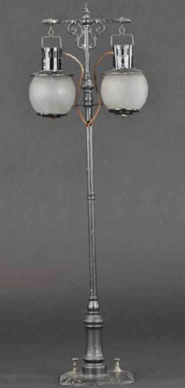 bing spielzeug eisenbahn Lampe doppellampe handbemalt, schwarzer mast, elektrifiziert,