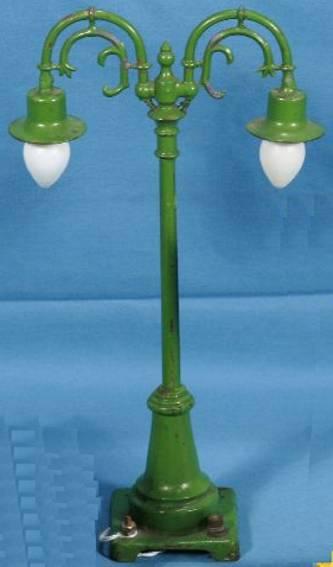 lionel 54 schwanenhalslampe mit zwei lampen gruen gusseisen