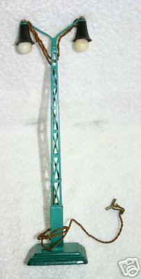 maerklin 13453/2 bogenlampe 2-armig vierecksockel gittermast blaugruen