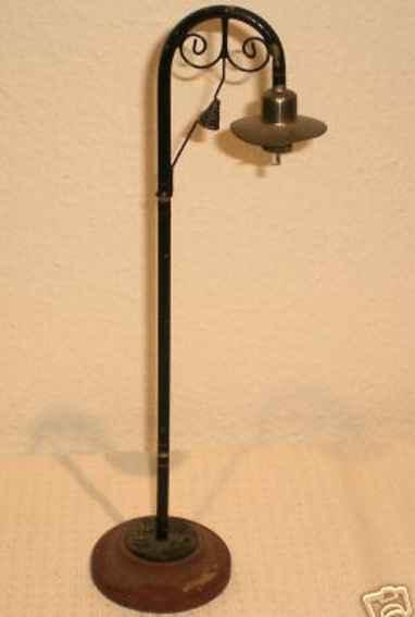 maerklin 3453/1 spielzeug bogenlampe 1-armig runder holzsockel