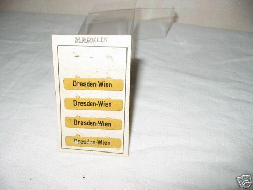 maerklin spielzeug eisenbahn wagen zubehor zuglaufschilder auf originalkarton aus pappe, schwarzer märk