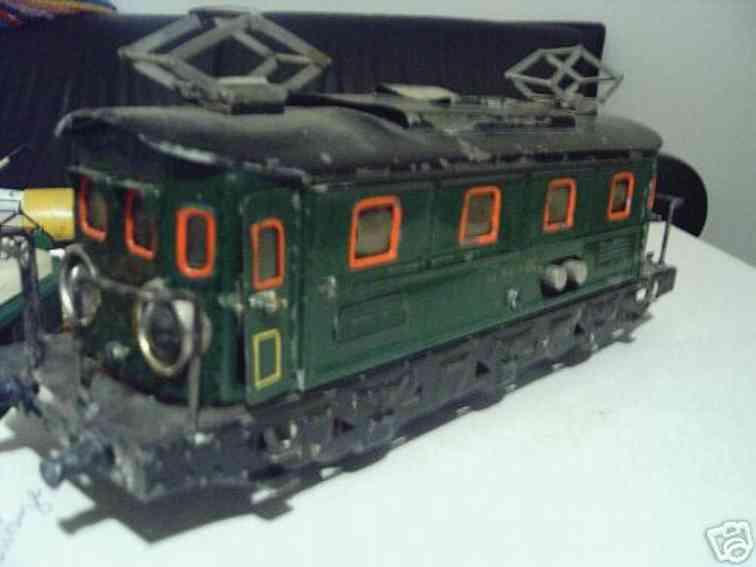Bing 11/893 18-Volt Vollbahnlokomotive grün