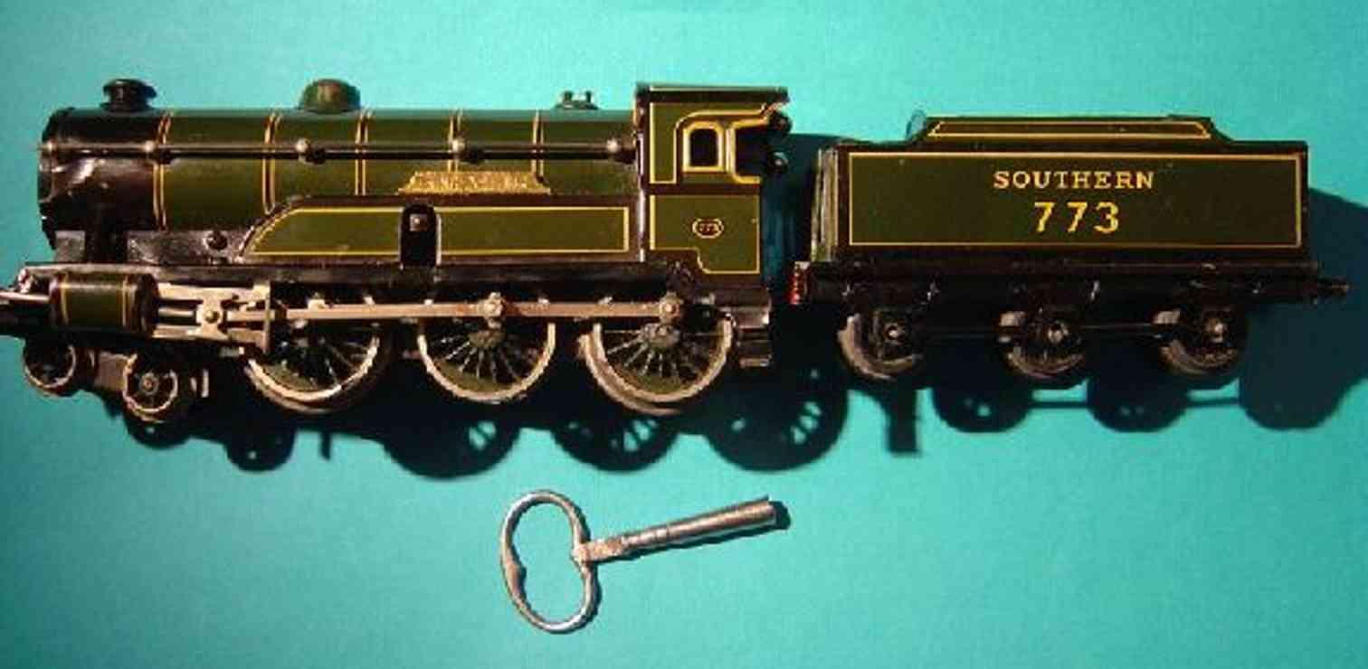 bing 61/4737 king arthur toy engine english clockwork locomotive green gauge 0