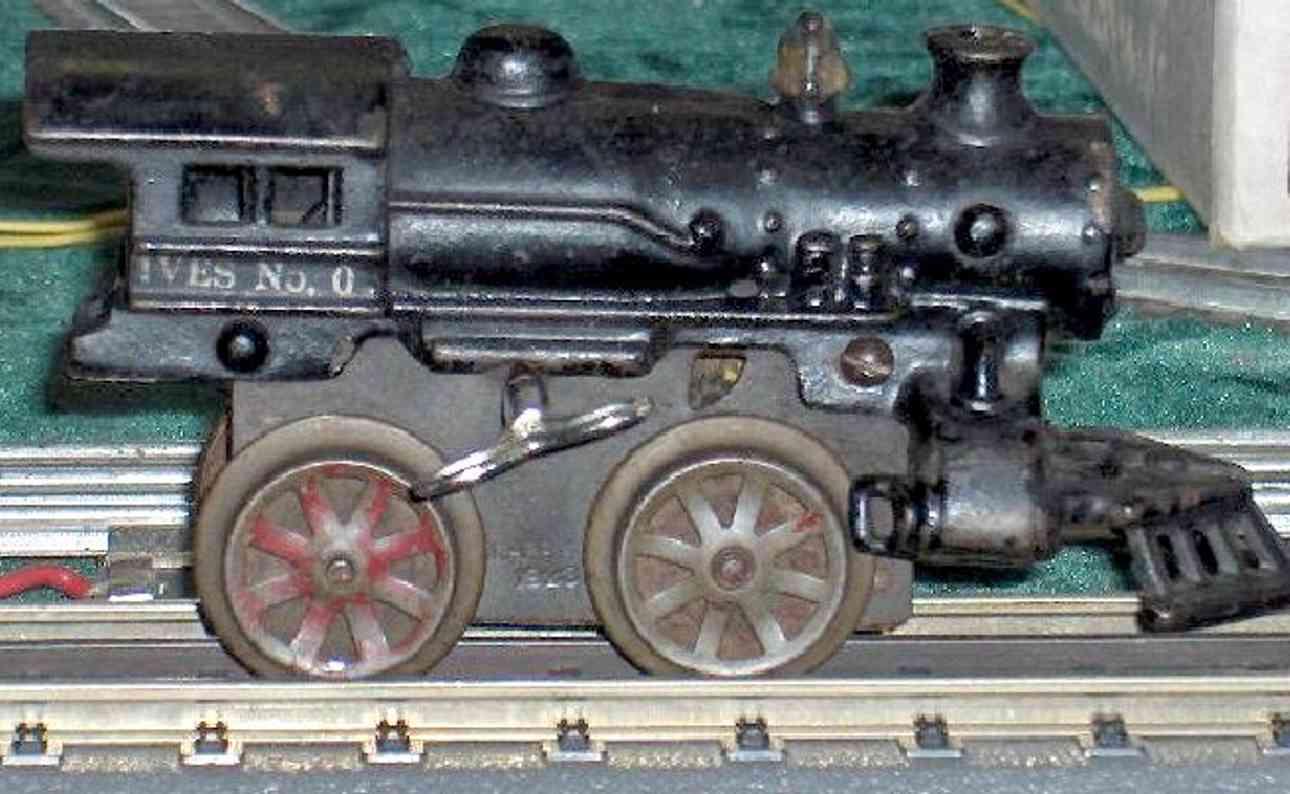 ives 0 (1928) spielzeug eisenbahn lokomotive uhrwerklokomotive aus gußeisen, schwarz handbemalt, speichen