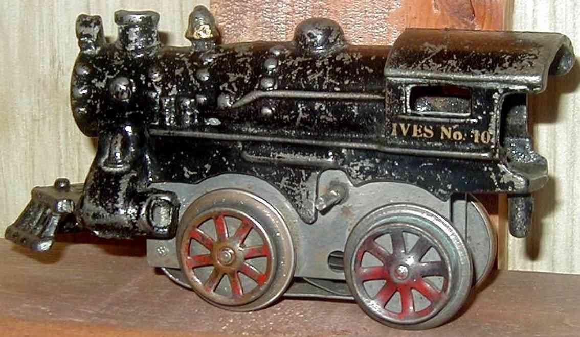 ives 10 spielzeug eisenbahn lokomotive uhrwerklokomotive aus gußeisen, schwarz oder rot handbemalt,