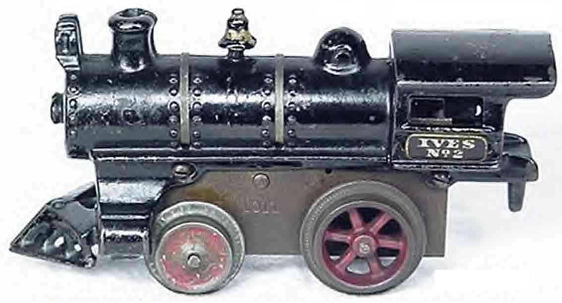 ives 2 (1910) spielzeug eisenbahn lokomotive uhrwerklokomotive aus gußeisen, schwarz  mit goldfarbenen st