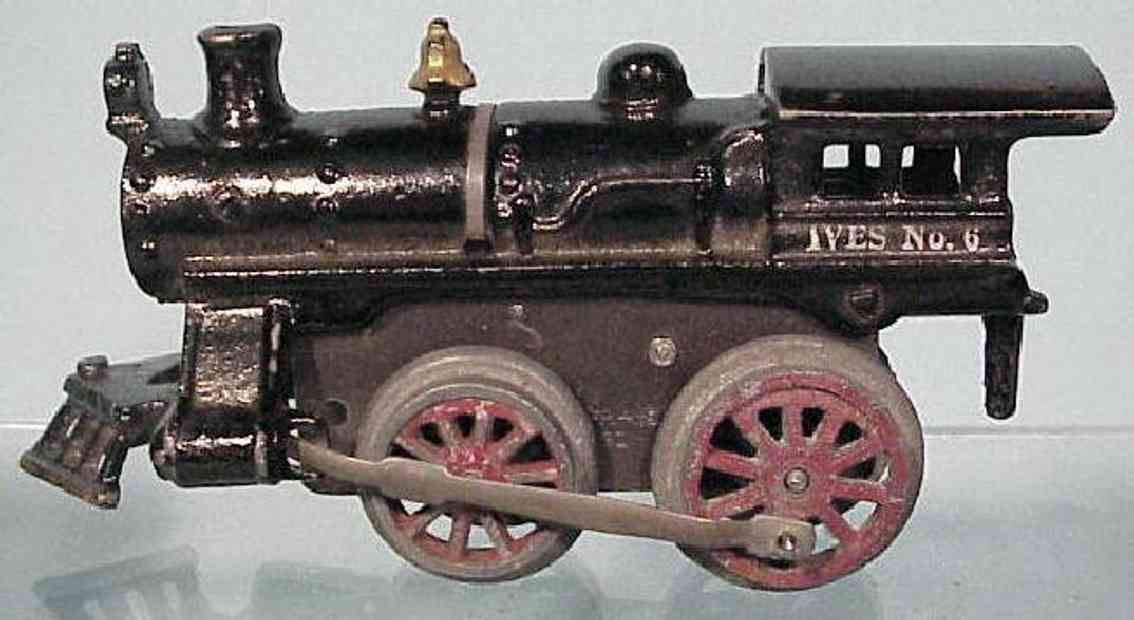 ives 6 (1917) railway toy engine clockwork locomotive of cast iron , in black hand painted wi