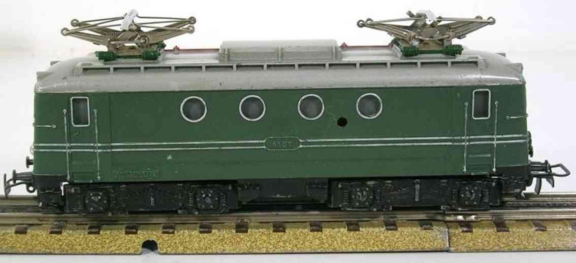 maerklin sew 800 1. version spielzeug eisenbahn elektrolokomotive gruen spur h0