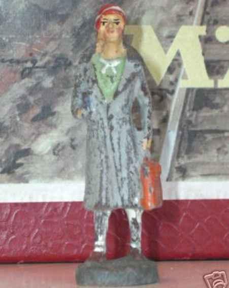 Hausser (Elastolin) 0/6624 Dame mit Hut, langem Mantel und Tasche